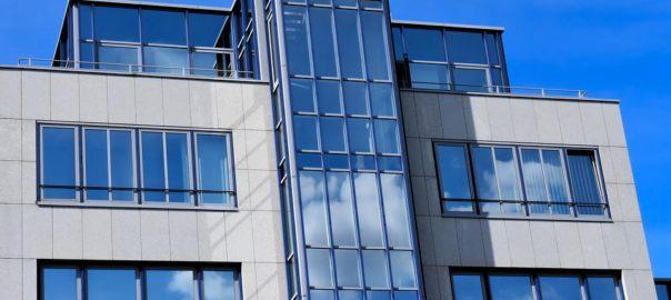 Квартира в Крыму и Севастополе на последнем этаже: «за» и «против»